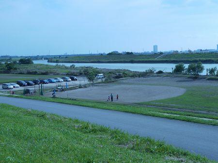 古ヶ崎 河川敷への流入口
