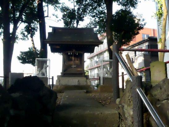 岩山稲荷(松戸市根本)